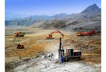 几内亚事件人寻求矿业公司支持