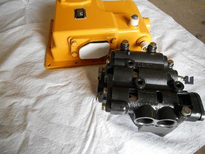 供应山推D85推土机配件变速箱操纵阀 154-15-35000